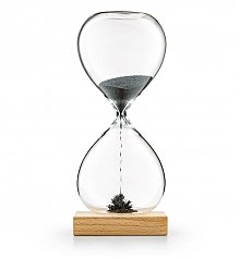Home Decor: Magnetic Hourglass